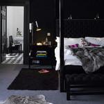 インテリジェンス&セクシーな黒のベッドルーム。