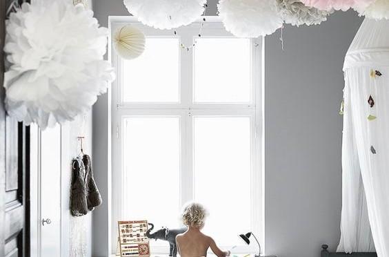 グラム&フェアリーな子供部屋とペーパーフラワーポンポン